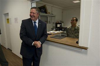 SecAF greets Airmen 4